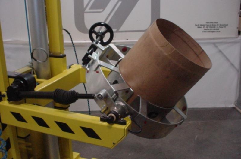 Carrinho entornador para tambor